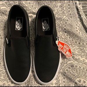 VANS NWT Size 9 Slip On Sneakers